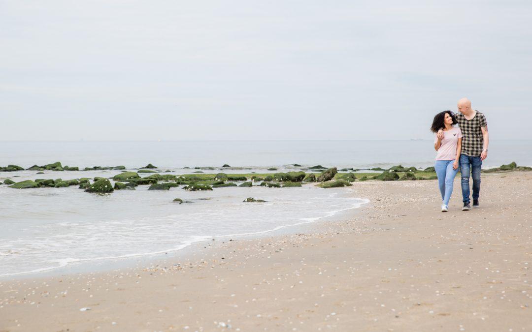 Loveshoot op het strand van Kijkduin: Cindy & Patrick